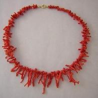 Korallencollier rot